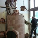 La distillazione con alambicco in rame a bagnomaria secondo l'antica tradizione piemontese